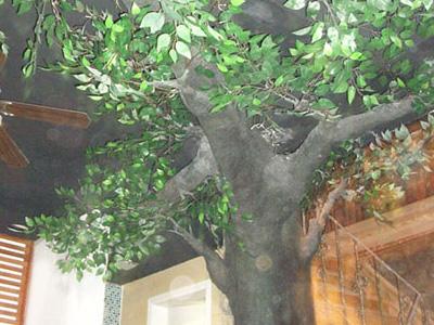 山东球彩直播下载地址球彩台大头公司 假树 仿真树制作