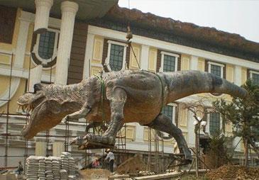 山东球彩直播下载地址球彩台大头公司玻璃钢球彩台大头作品恐龙安装展示